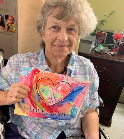 senior with artwork